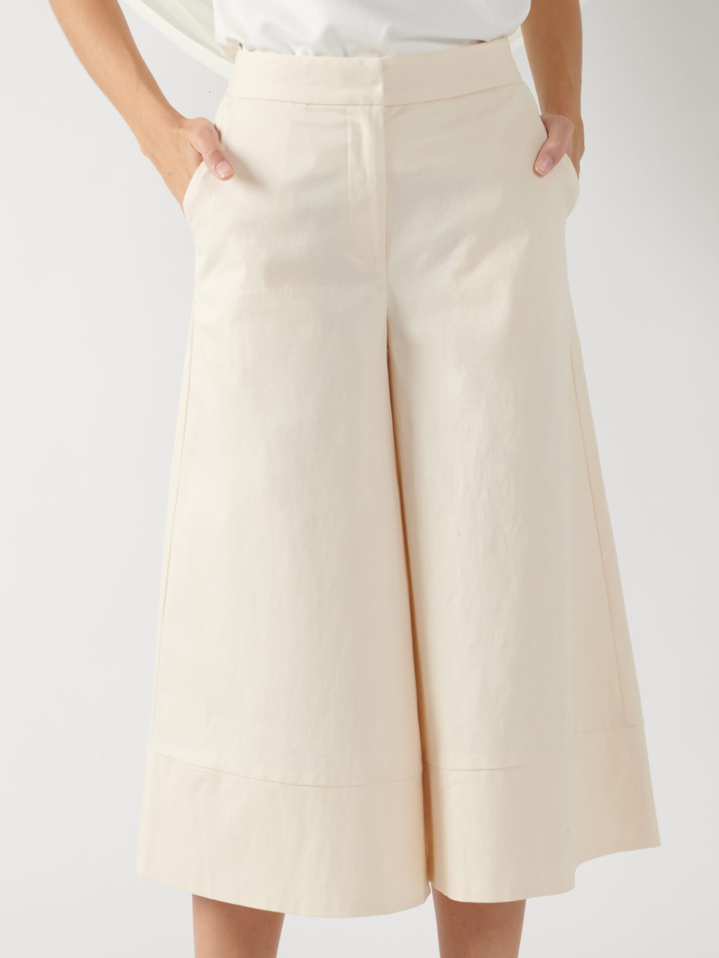 wide-leg trousers in light beige