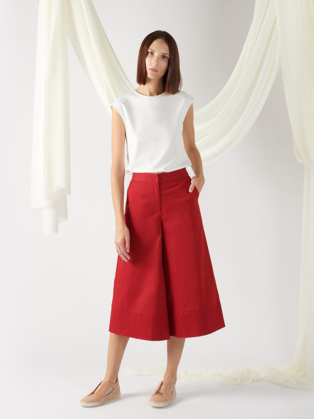 wide-leg trousers in light beige (copy)